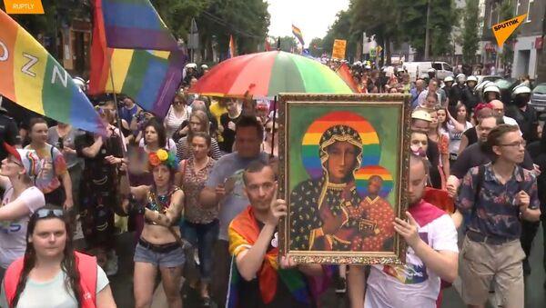 Policie zastavila střety. LGBT přehlídka a pravicoví aktivisté v Polsku  - Sputnik Česká republika