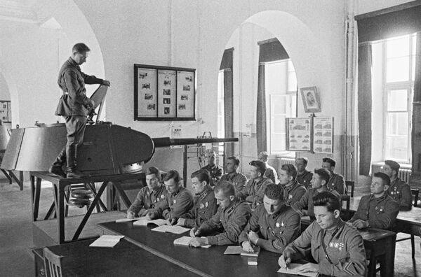 Absolventi Vojenské akademie Stalina, Moskva červen 1941. - Sputnik Česká republika