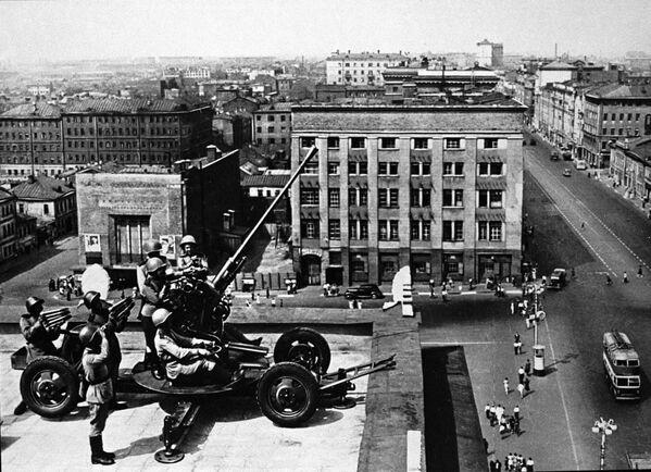 Vojáci protivzdušné obrany v Moskvě.  - Sputnik Česká republika