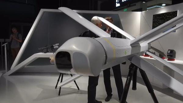 Ruský koncern Kalašnikov prezentoval kamikadze dron a další inovativní vojenské zbraně (VIDEO) - Sputnik Česká republika