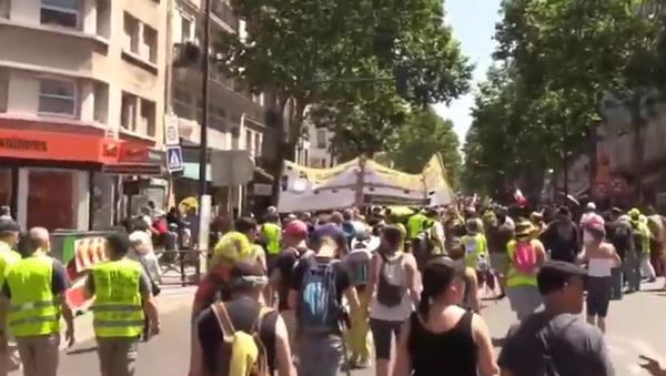 Žluté vesty znovu protestují v Paříži. K čemu dojde tentokrát? - Sputnik Česká republika