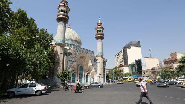 Pohled na mešitu v Teheránu - Sputnik Česká republika