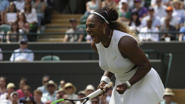 Serena Williamsová po vítězství nad Španělkou Navarrovou na Wimbledonu 2019 - Sputnik Česká republika