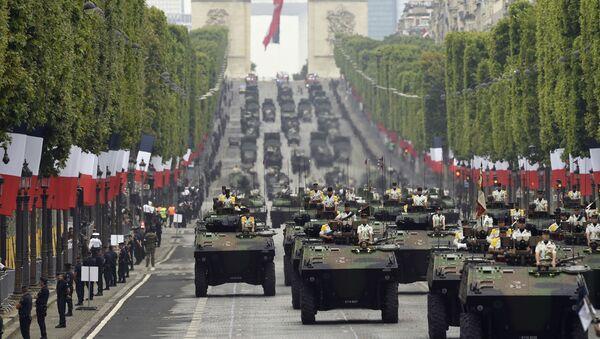 Vojenská přehlídka v Paříži - Sputnik Česká republika