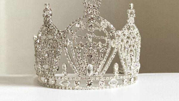 Koruna pro vítězku soutěže krásy Miss Universe Slovakia - Sputnik Česká republika