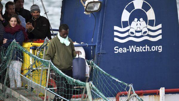 Migranti na palubě lodě Sea-Watch 3 - Sputnik Česká republika