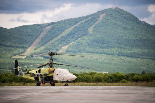 Vrtulník Ka-52 Alligator na ploše letové zkušební stanice závodu Progress - Sputnik Česká republika