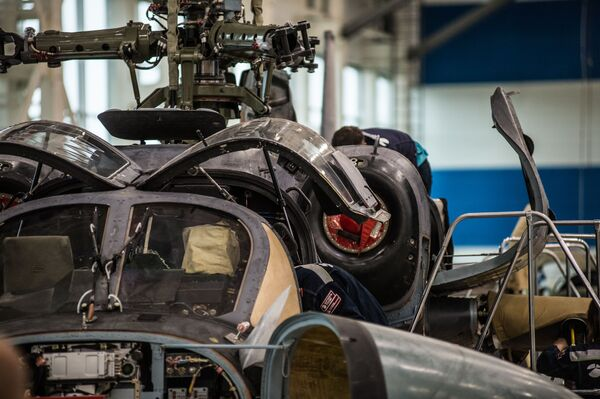 Montáž vrtulníku Ka-52 Alligator na závodě Progress - Sputnik Česká republika