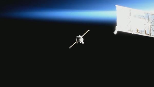 Video: Krůčky ve vesmíru. Přistání lodi Sojuz MS-13 na ISS - Sputnik Česká republika