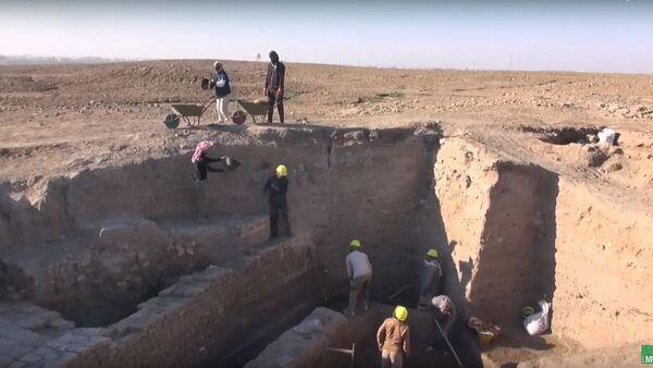 """V sumerském městě Ur vykopali """"ideální"""" starobylý objekt - Sputnik Česká republika"""