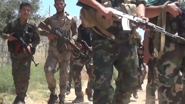 Syrská armáda odrazila bojovníky a dobyla strategické výšky na severu Hamá - Sputnik Česká republika