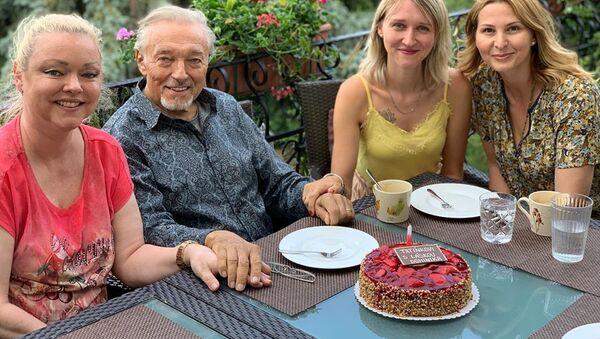 Český zpěvak Karel Gott s rodinou - Sputnik Česká republika