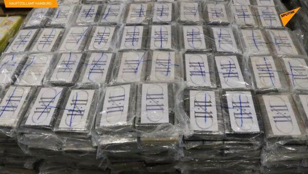 Šokující částka. V německém Hamburku byly zabaveny čtyři a půl tuny kokainu - Sputnik Česká republika