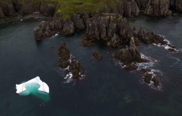 Ledovec v Bonavista Bay, Newfoundland, Kanada - Sputnik Česká republika