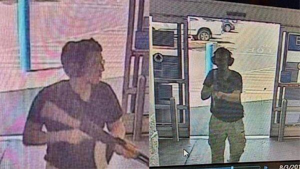 Střelec Patrick Crusius během útoku v obchodním středisku Walmart v texaském El Pasu - Sputnik Česká republika