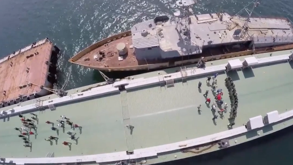 Video: Ruská vojenská policie, vojáci národní gardy a flotila absolvovali cvičení na ochraně atomového raketového křižníku - Sputnik Česká republika
