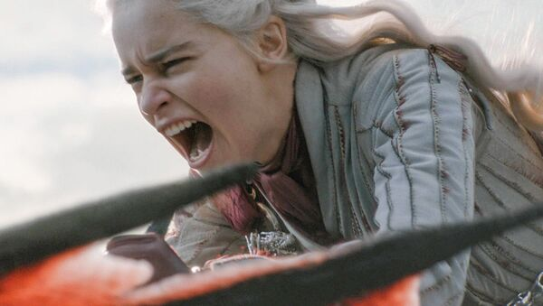 Představitelka Daenerys Targaryenové ze seriálu Hra o trůny herečka Emilia Clarke - Sputnik Česká republika
