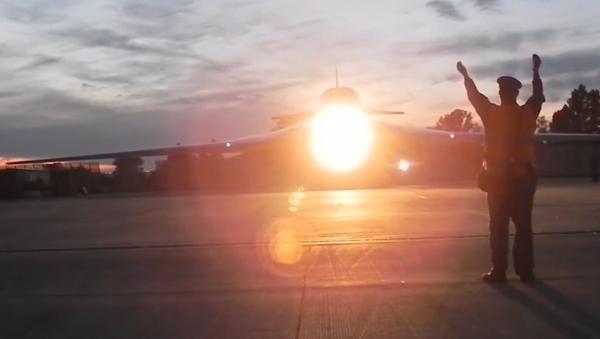 """Video: """"Bílé labutě"""" na ruské Čukotce. Strategické bombardéry Tu-160 byly přesunuty do nejvýchodnějšího ruského města - Sputnik Česká republika"""
