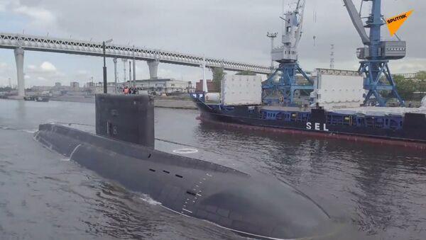 První ponorka Varšavjanka pro Pacifickou flotilu vplula do továrních testů - Sputnik Česká republika