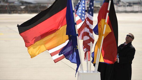 Vlajky Německa a USA - Sputnik Česká republika