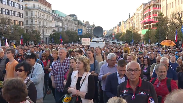 Video: Rozsáhle protesty hnutí Milion chvilek pro demokracii v Praze 21. srpna. Jak to ve skutečnosti bylo? - Sputnik Česká republika
