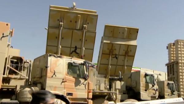 """Video: Íránský prezident prezentoval raketový komplex Bavar-373, který """"je podobný ruskému S-300"""". Je schopen detekovat až 100 cílů - Sputnik Česká republika"""