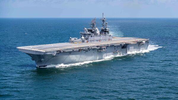 Americká loď třídy Amerika USS Tripoli - Sputnik Česká republika