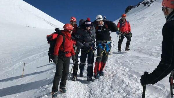 Na Elbrusu horolezci zachránili mladíka - Sputnik Česká republika