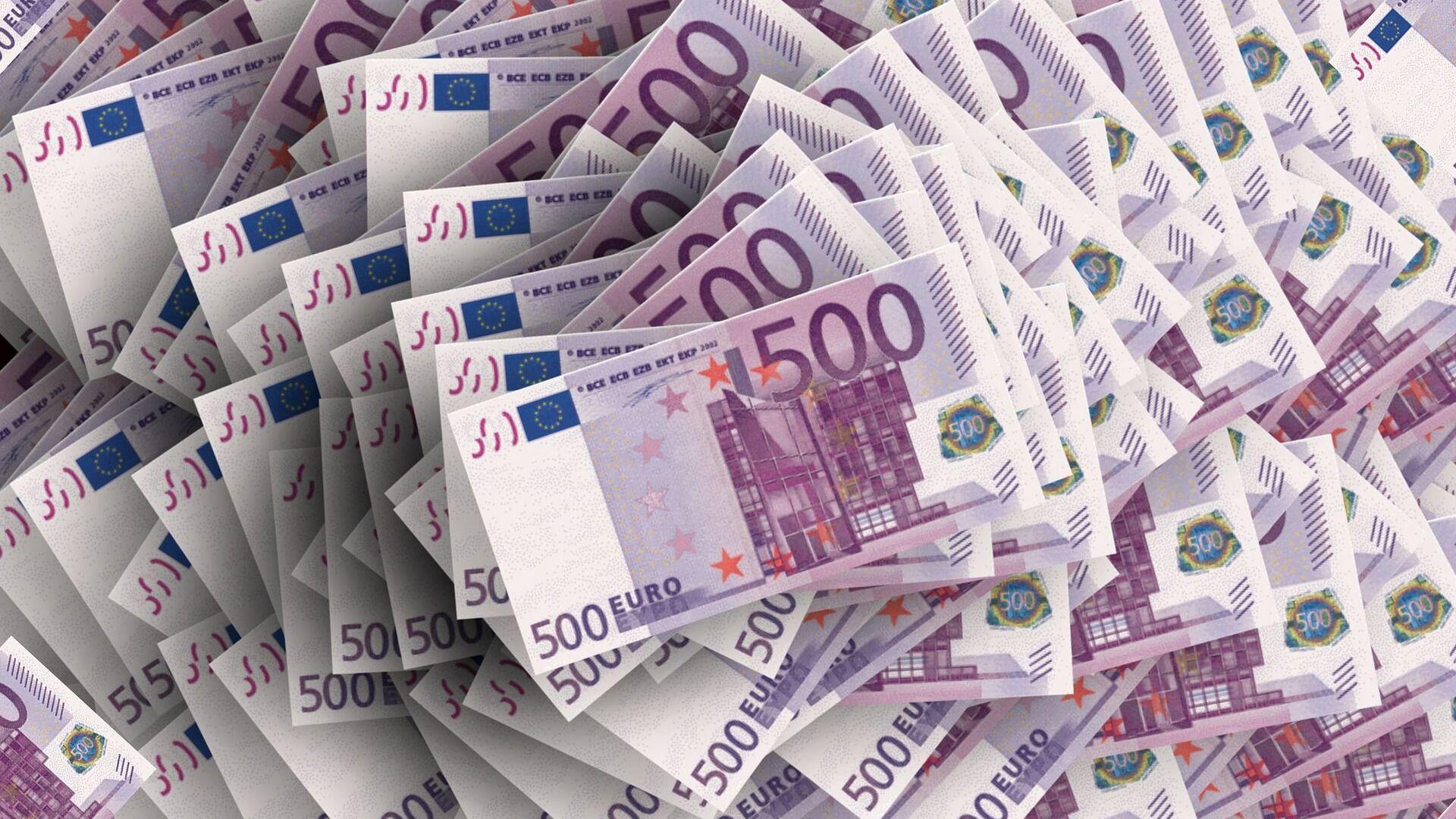 Bankovky v hodnotě 500 eur - Sputnik Česká republika, 1920, 04.03.2021