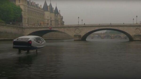 Pohled do budoucna. V Paříži testují létající taxi - Sputnik Česká republika