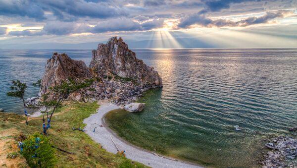 Bajkal je nejhlubší jezero na světě,  jsou tu největší zásoby sladké vody - Sputnik Česká republika