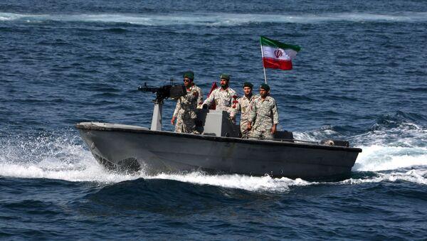 Íránští vojáci v Hormuzském průlivu - Sputnik Česká republika