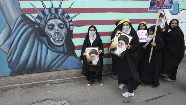 Štěká, ale nekouše. Proč svět nevěří americkým hrozbám vůči Íránu - Sputnik Česká republika