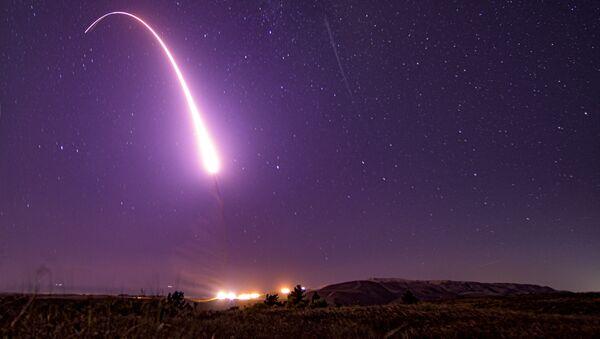 Spojené státy americké otestovaly balistické rakety Minuteman III - Sputnik Česká republika