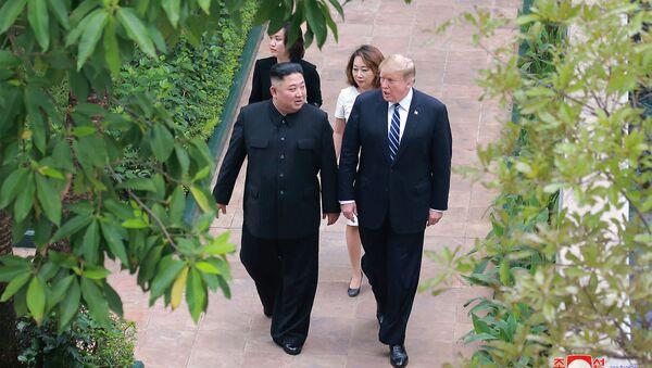 Lídři Spojených států a KLDR Donald Trump a Kim Čong-un - Sputnik Česká republika