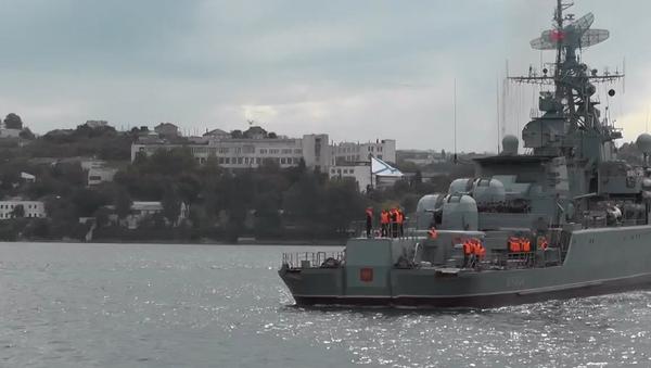 Video: Hlídková loď ruského loďstva se po dlouhé misi ve Středomoří vrátila do Sevastopolu  - Sputnik Česká republika