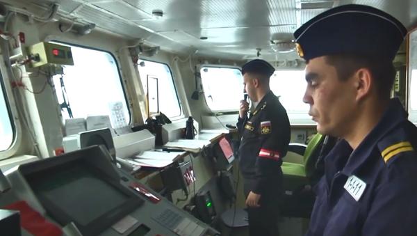 Video: Ruská ponorka Kolpino vypálila rakety Kalibr z Černého moře. Záběry přímo z paluby   - Sputnik Česká republika