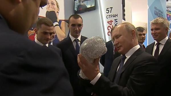Video: Ruský prezident Vladimir Putin si vzpomněl, jak mu zlomili nos - Sputnik Česká republika