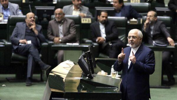 Ministr zahraničních věcí Íránské islámské republiky Mohammad Džavad Zarif v parlamentu, 2018 - Sputnik Česká republika