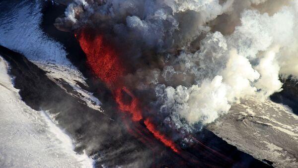 Erupce sopky Tolbačik na Kamčatce, Rusko - Sputnik Česká republika
