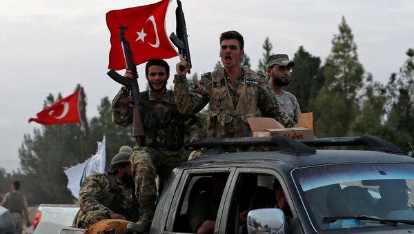 Povstalci podporovaní Tureckem míří do Sýrie - Sputnik Česká republika