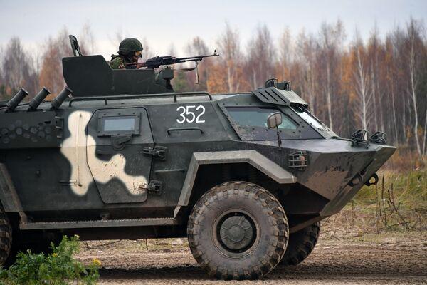 Moře ohně. Vojáci šesti zemí porazili potenciálního nepřítele poblíž města Nižnij Novgorod - Sputnik Česká republika