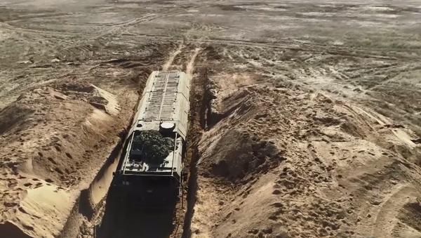 Video: Ruská armáda pod vrchním velením Putina předvedla všechno, co dokáže její vojenská technika - Sputnik Česká republika
