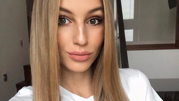 Známá modelka a česká Miss Earth pro rok 2015 Karolína Mališová - Sputnik Česká republika