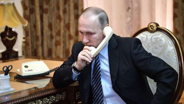 Putin a Macron projednali rusko-tureckou dohodu - Sputnik Česká republika