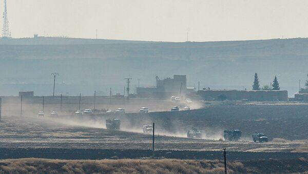 Ruské a turecké jednotky začaly společné hlídkování syrsko-turecké hranice - Sputnik Česká republika