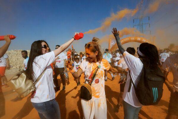 Běh s barvami v Saúdské Arábii (26. 10. 2019) - Sputnik Česká republika