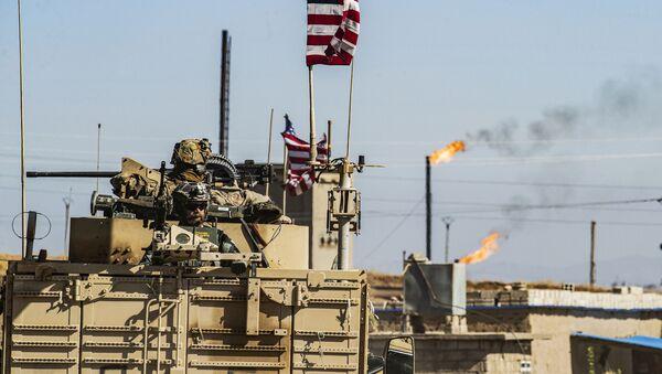 Američané v okolí ropného ložiska v Sýrii - Sputnik Česká republika