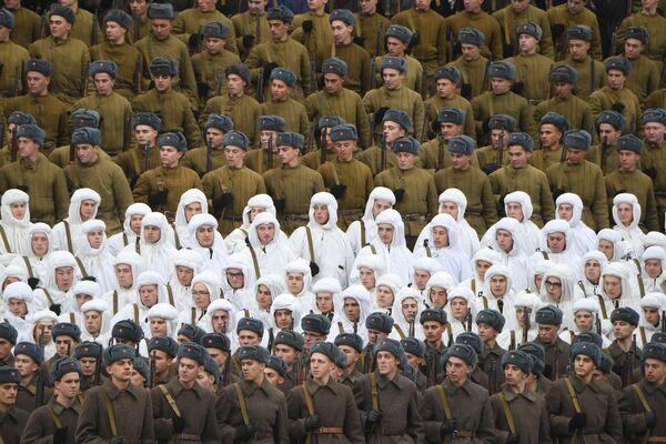 Nejživější fotografie tohoto týdne z celého světa: Česká republika, Rusko, USA, Irák a další země objektivem fotoaparátu - Sputnik Česká republika