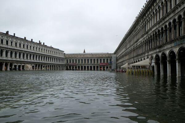 Náměstí svatého Marka v Benátkách během povodně - Sputnik Česká republika